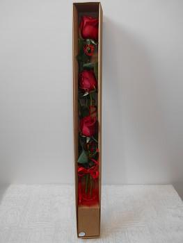 Elegantní  3 růže v krabičce s víčkem
