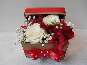 Krabička mix květin malá