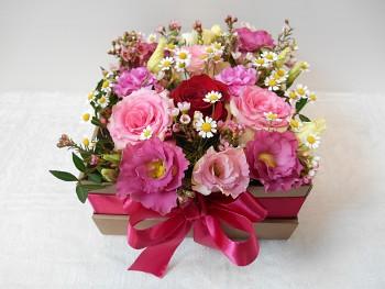 Krabička mix květin větší